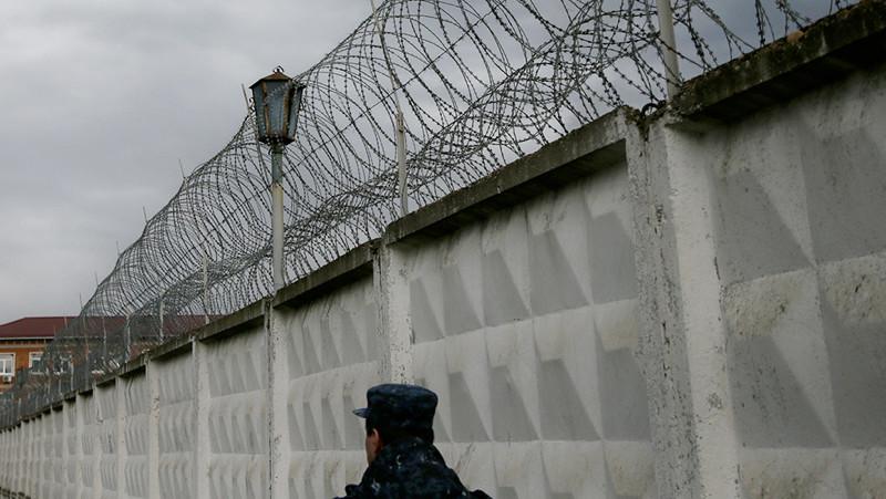 Двух сотрудников ГУИН Таджикистана арестовали в момент получения взятки