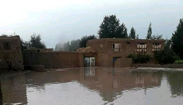 Разрушительные наводнения в Афганистане унесли жизни более ста человек