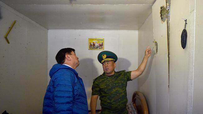 Из минометов по границе, «умные счетчики» Узбекистана и домашнее насилие в Таджикистане