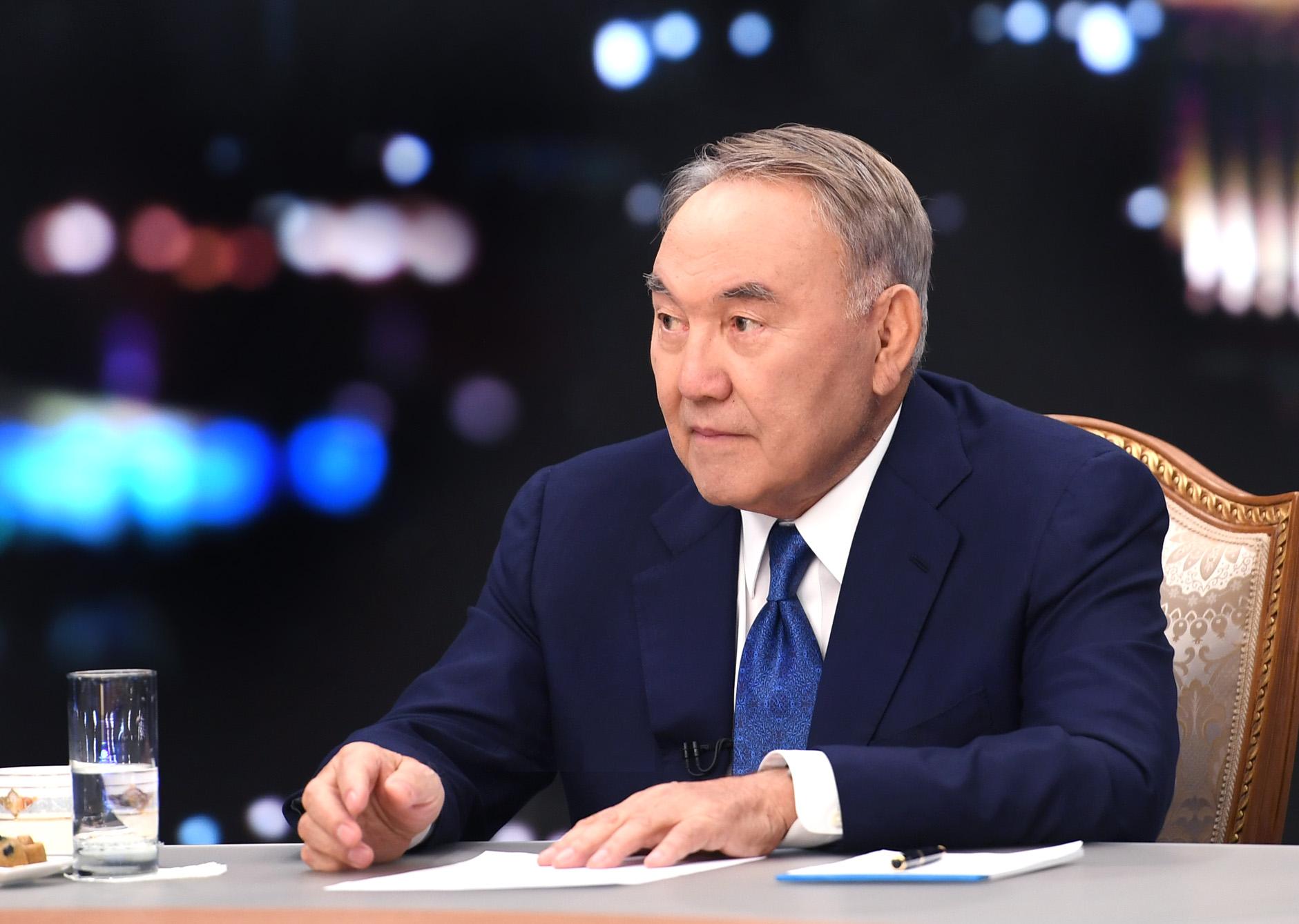 Нурсултан Назарбаев призвал Россию иУкраину помириться