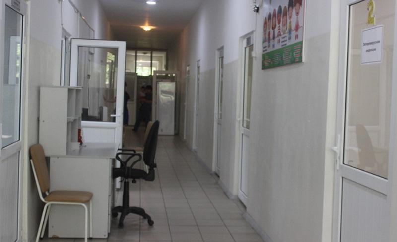 В Киргизии задержали третьего родственника умершего от алкоголя ребенка