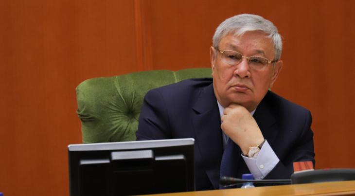 Parlament sədri koronavirusdan vəfat etdi