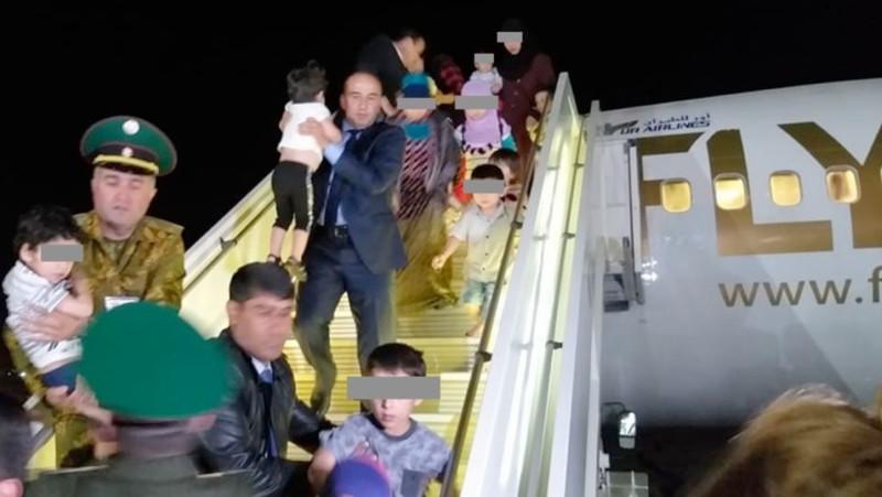 Десятки детей таджикских боевиков вернулись из тюрем Ирака в Душанбе