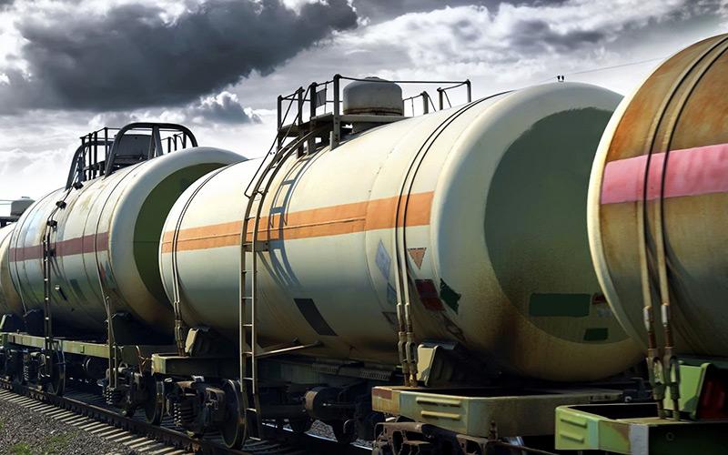 Казахстан запретил ввоз бензина и дизельного топлива из России