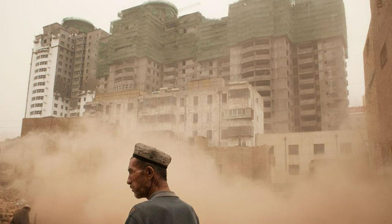 Почему огромные инвестиции и приток туристов привели к разрушению исторического облика Кашгара в Китае?